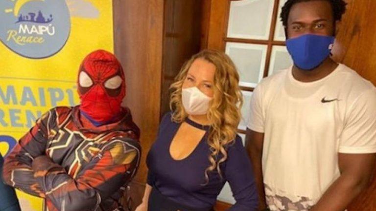 Cathy Barriga baile sensual spiderman