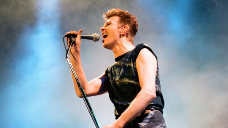 David Bowie outside tour web