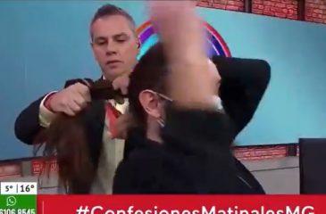 Viñuela le corta el pelo a camarógrafo mucho gusto