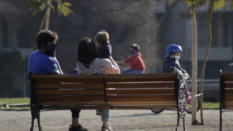 Permiso para niños en plaza A_UNO_1204166 web