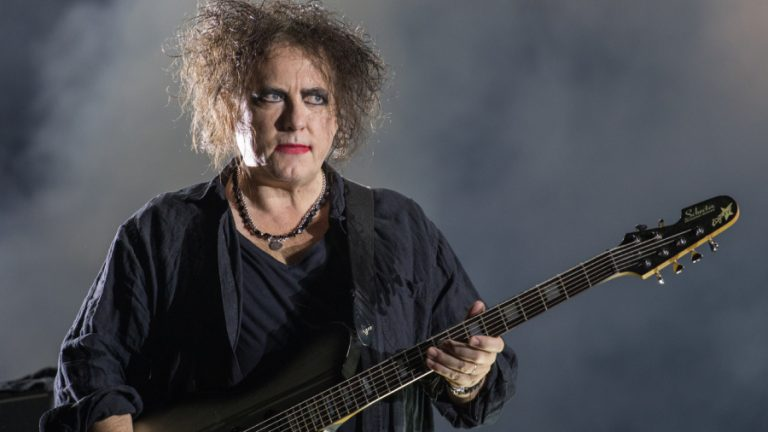 Robert Smith The Cure GettyImages-1180768571 web