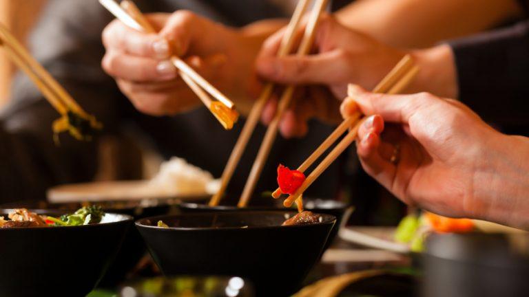 Restaurant chino pagar la cuenta cita web