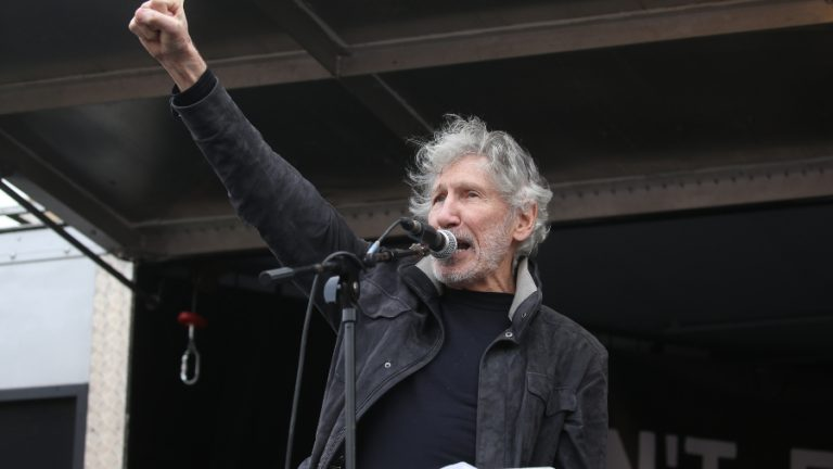 Roger Waters GettyImages-1202451242 web