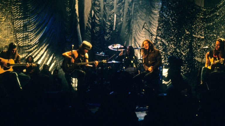 Pearl Jam Unplugged GettyImages-129723090 web