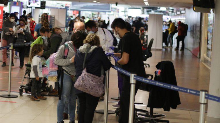 Aeropuerto reapertura frotneras A_UNO_123112 web