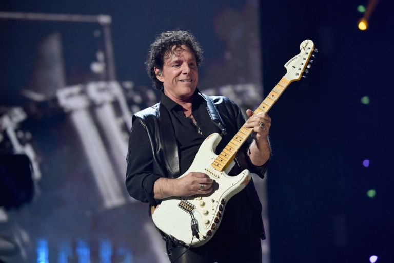 32nd Annual Rock & Roll Hall Of Fame Induction Ceremony   Show