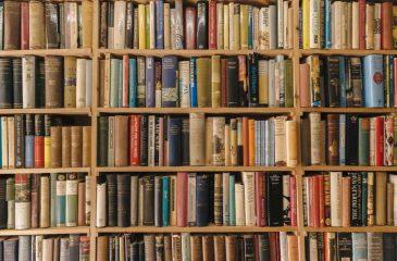 De Gabriel Mistral A Simone De Beauvoir Los Libros Más Vendidos De La Semana