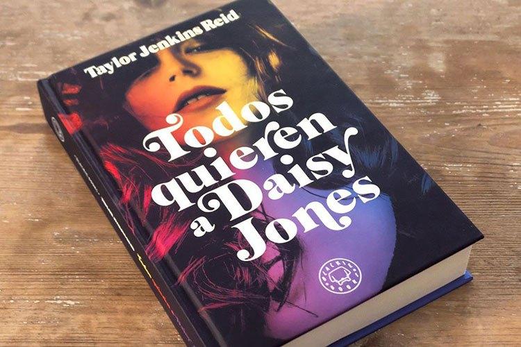 Todos Quieren A Daisy Jones Libro