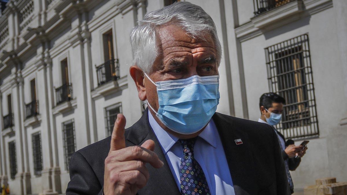 Ministro De Salud Enrique Paris