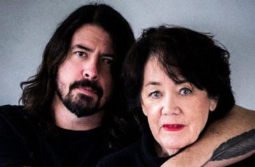Dave Grohl Mama Serie