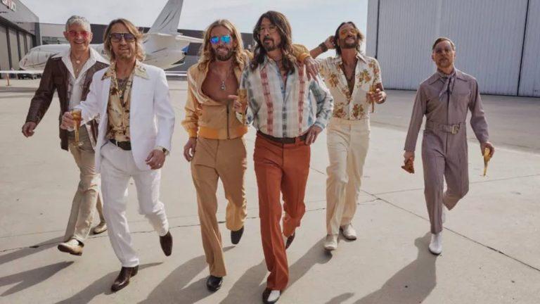 Dee Gees Foo Fighters