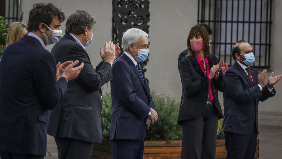Sebastián Piñera Ley De Extensión De Postnatal