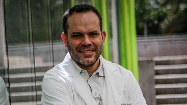 Dr Darwin Acuña